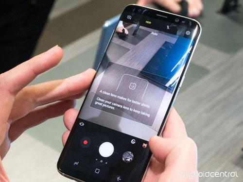 تلميح - جالاكسي S8 سيطلب منك تنظيف الكاميرا عندما تتسخ !