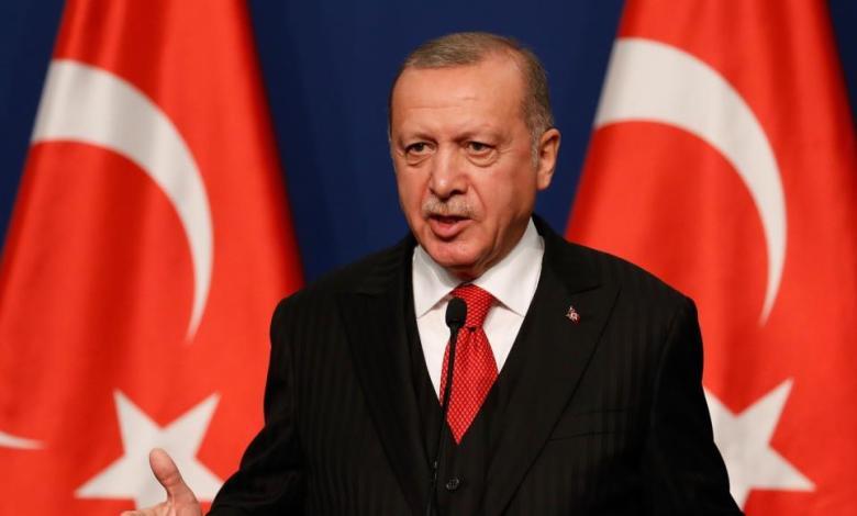 """Photo of أردوغان يوجه رسائل فيديو لمسؤولي """"العدالة والتنمية"""""""