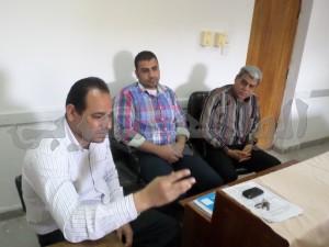 الدكتور بكر عبد الوهاب مدير الإدارة الصحية بالخارجة والأستاذ ميلاد حليم مراقب أول الأوبئة بالمديرية