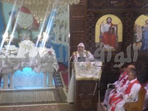 القمص بيشوي المحرقي راعى كنيسة السيدة العذراء مريم بمدينة الخارجة