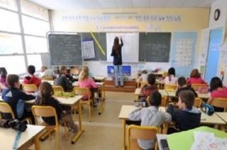 أولياء الأمور في أسبانيا يتظاهرون ضد الواجب المدرسي