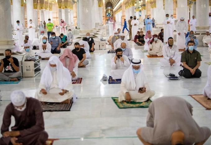 In pictures: Saudi Arabia reopens mosques for prayers ...