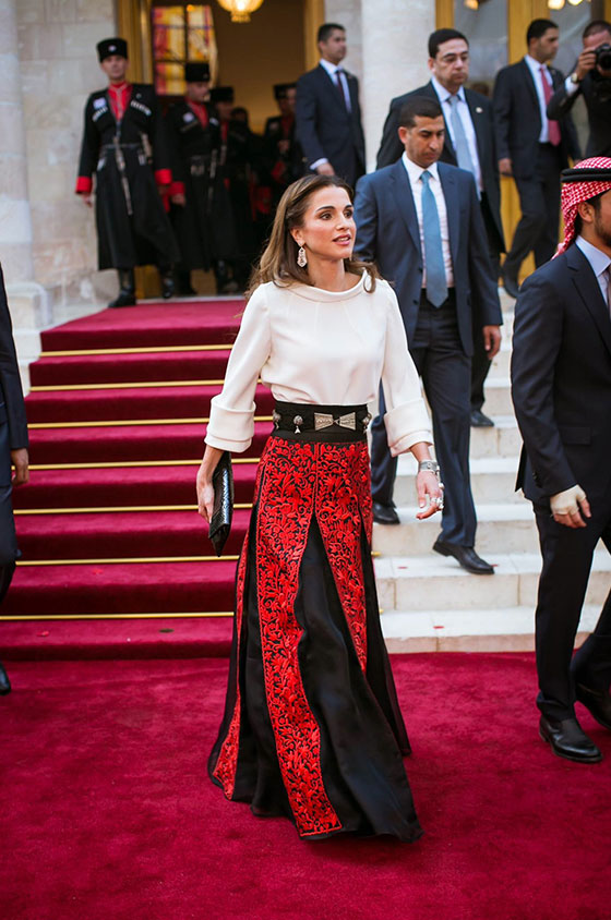10 Stunning Looks Inspired By Queen Rania For Brides Who