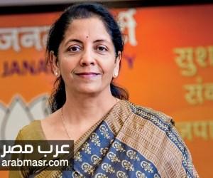 رئيس الوزراء الهندي يقوم بتعيين نيرمالا سيتارمان وزيرة للدفاع اول امرأه لهذا التعيين