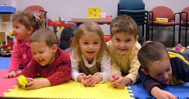 تربية الطفل تربية صحيحة والتصرف بشكل مهذب واحترام الآخرين