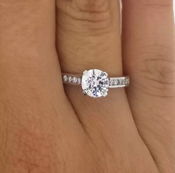 1.5 Carat Round Cut Diamond Engagement Ring 14K White Gold