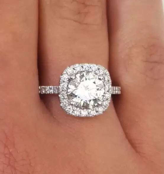 2.00 Ct Round Cut DVvs1 Diamond Solitaire Engagement Ring 18K White Gold 4
