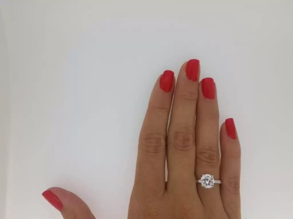 2.00 Ct Round Cut Diamond Solitaire Engagement Ring 14K White Gold 4