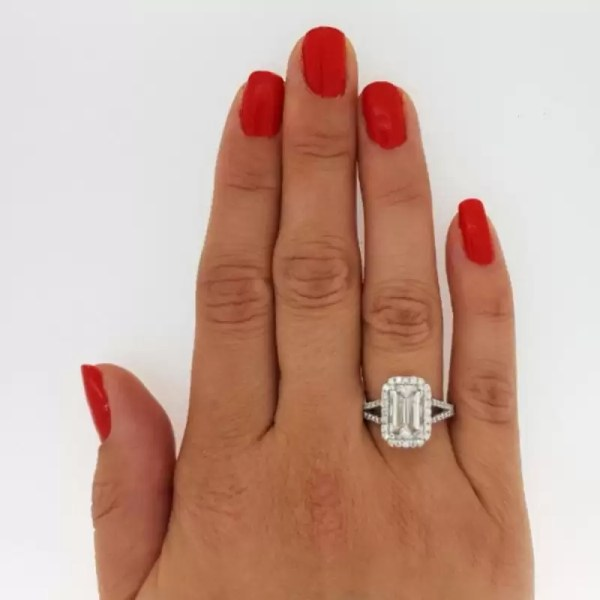 4.00 Ct Emerald Cut DSi1 Diamond Solitaire Engagement Ring 18K White Gold 2