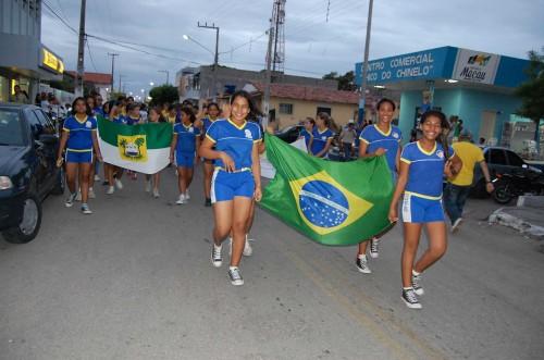 Desfile das escolas participantes