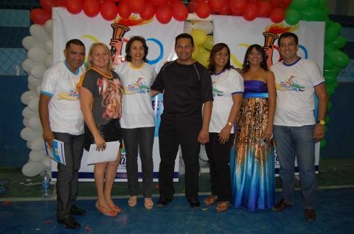 A direita  Rodrigo Aladim com equipe da SME e Magnólia Figueiredo