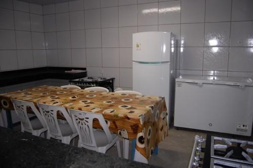 Cozinha moderna e bem equipada