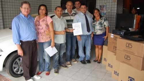 Secretaria Jose Martins parabeniza conselheiros