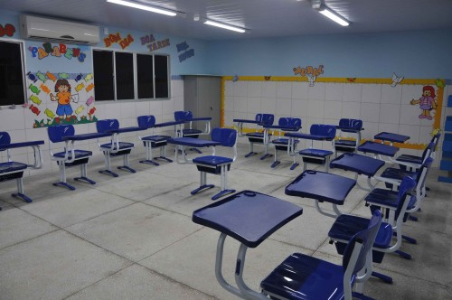 Sala de aula moderna e equipada