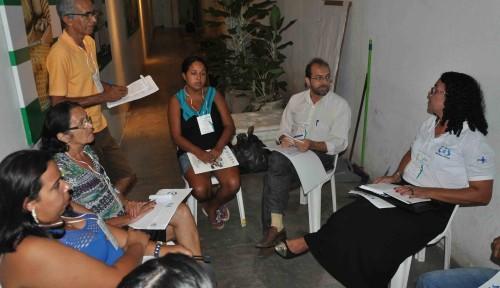 Grupos discutem propostas e ações