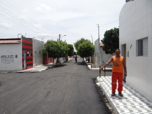 Alderir Pereira, morador da João Melo diz que a Rua ficou uma maravilha
