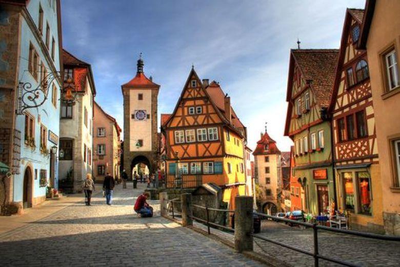 انشطة في المانيا - انشطة طلابية في المانيا - الشارع الروماني