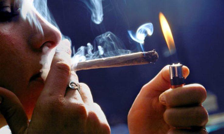 آثار تدخين الحشيش - صورة لسيجارة حشيش
