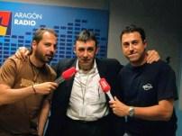 Joaquín Carbonell tras ser entrevistado en 2009 por David Chapín y Sergio Falces de Aragón Musical.