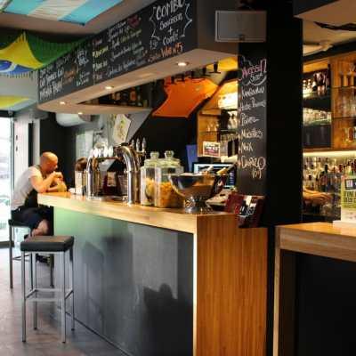 Comptoir de bar en lamellé collé à Toulouse