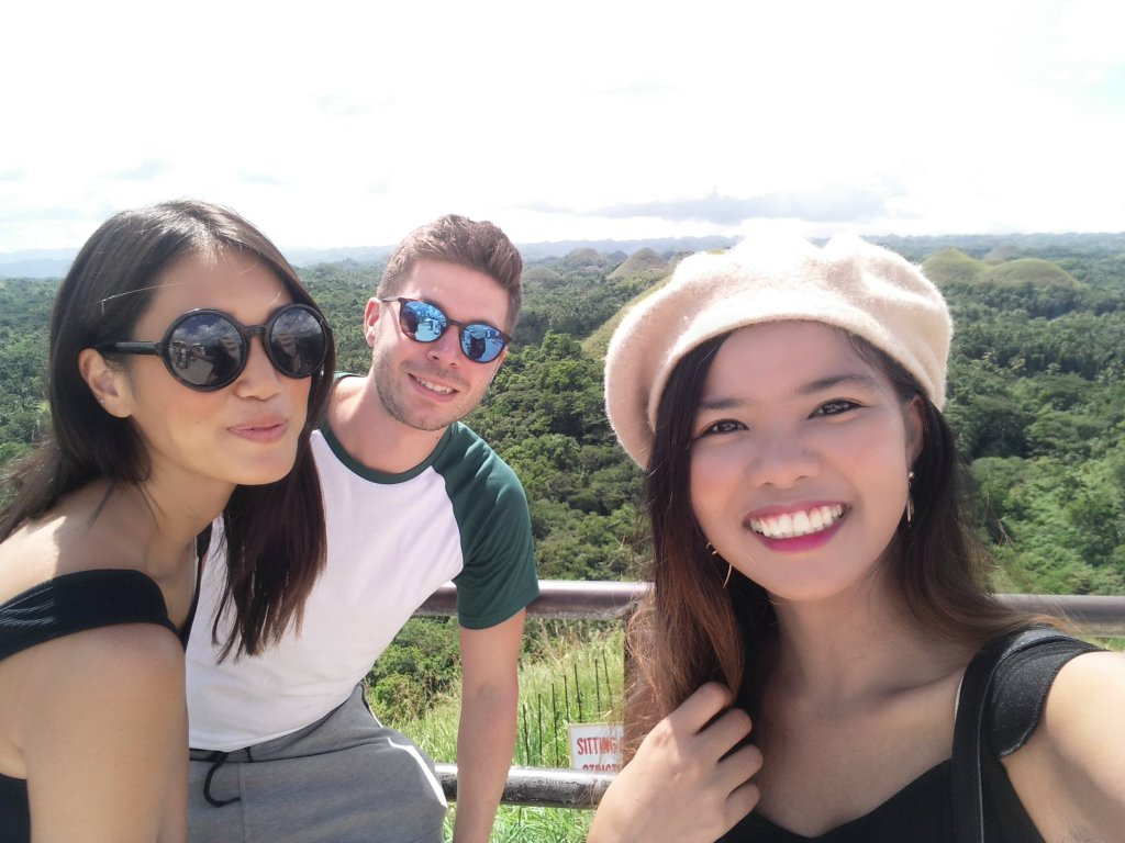 """ALT=""""people who i met in bohol from solo travel"""""""