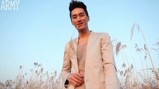 "ALT=""ahn bo hyun being an aspiring vlogger"""