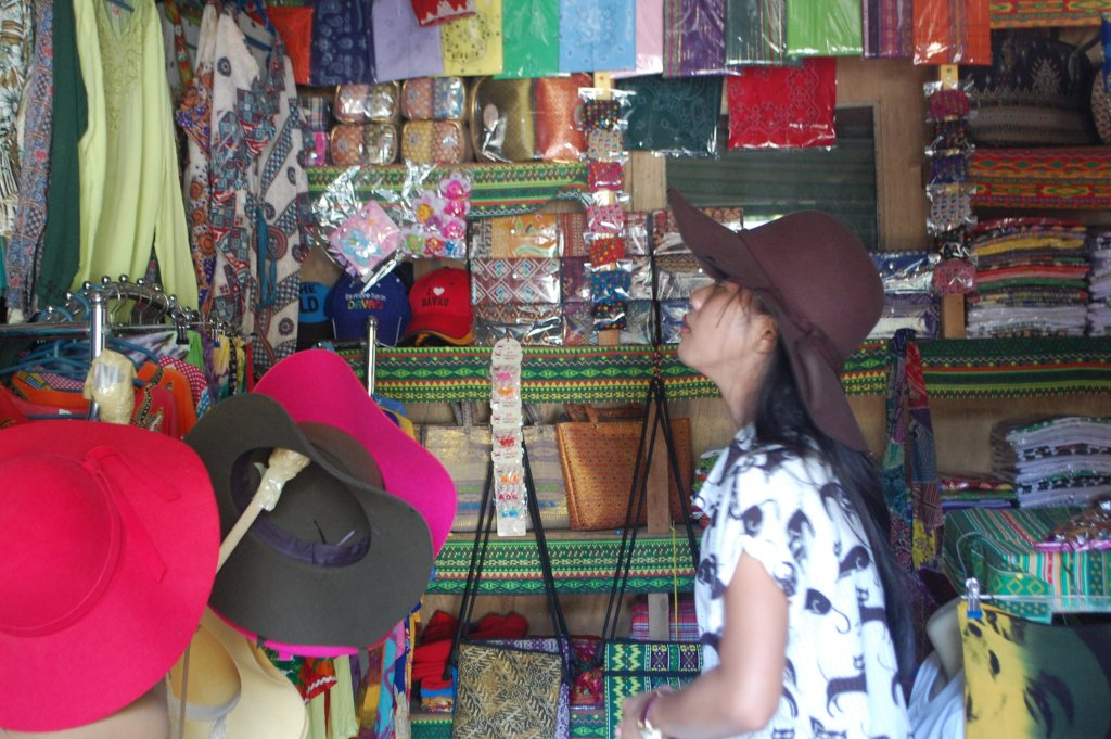 "ALT=""things to do in davao city food and souvenirs"""