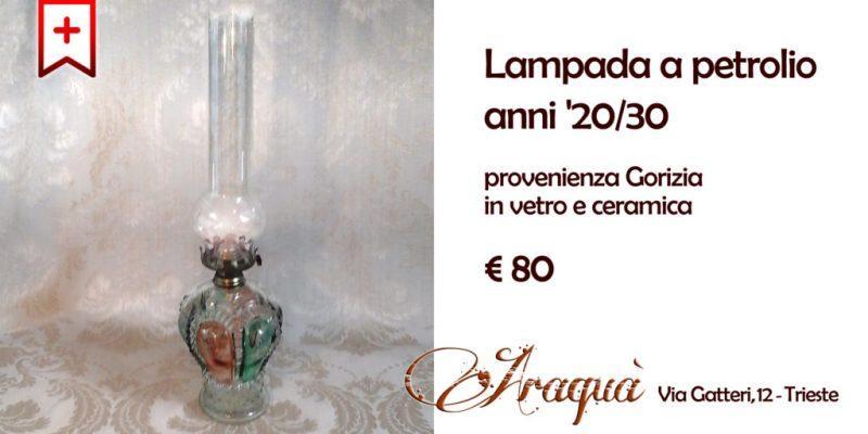 Lampada a petrolio anni '20/30 provenienza Gorizia in vetro e ceramica - € 80