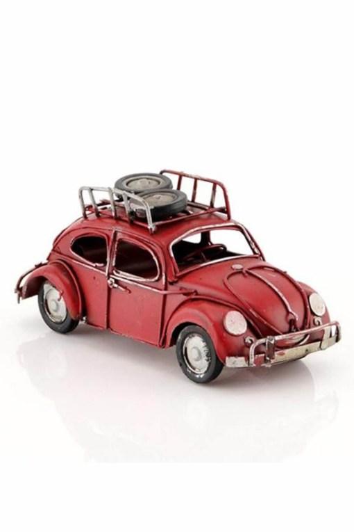 سيارة معدن أحمر اللون بالطراز القديم 1