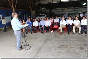 Ministro Undurraga y director nacional de aeropuertos visitan aeródromos de Angol y Curacautín  (3)