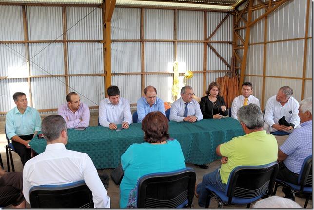Ministro Undurraga y director nacional de aeropuertos visitan aeródromos de Angol y Curacautín  (5)