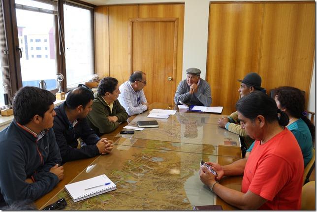 Reunión para abordar situación de Puente Huilio se realizó en Dirección Regional de Vialidad  (2)