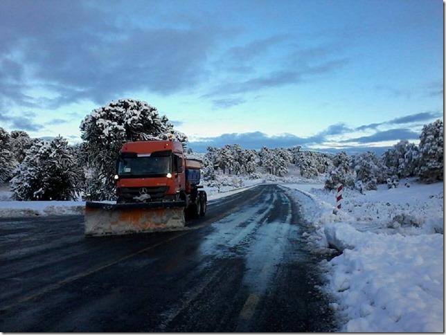 Vialidad Araucania trabajando por mantener la conectividad en Pasos Fronterizos de la región (3)
