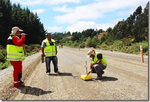 Terminados primeros 800 m de asfalto correspondiente a últimos 2,5 km del Camino Carahue – Puerto Do (3)