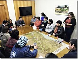 Dirigentes de sectores del camino Freire - Cunco se reunieron con Director de Vialidad (1)