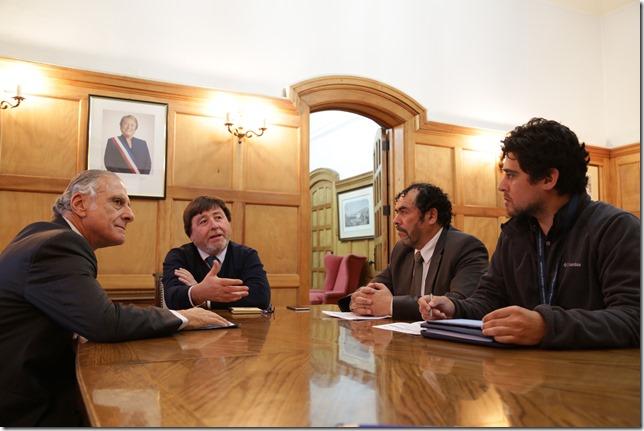 Senador Eugenio Tuma y alcalde de Carahue (1)