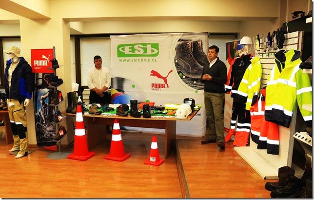 Empresas efectuaron exposición de Elementos de Protección Personal para equipos en terreno  (2)