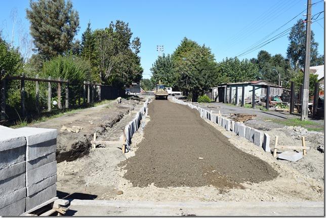 Obras de pavimentación son ejecutadas en Licán Ray (3)