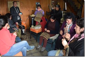 En Villarrica se ejecutan 45 talleres laborales para capacitar a mujeres y ayudarles a emprender (2)