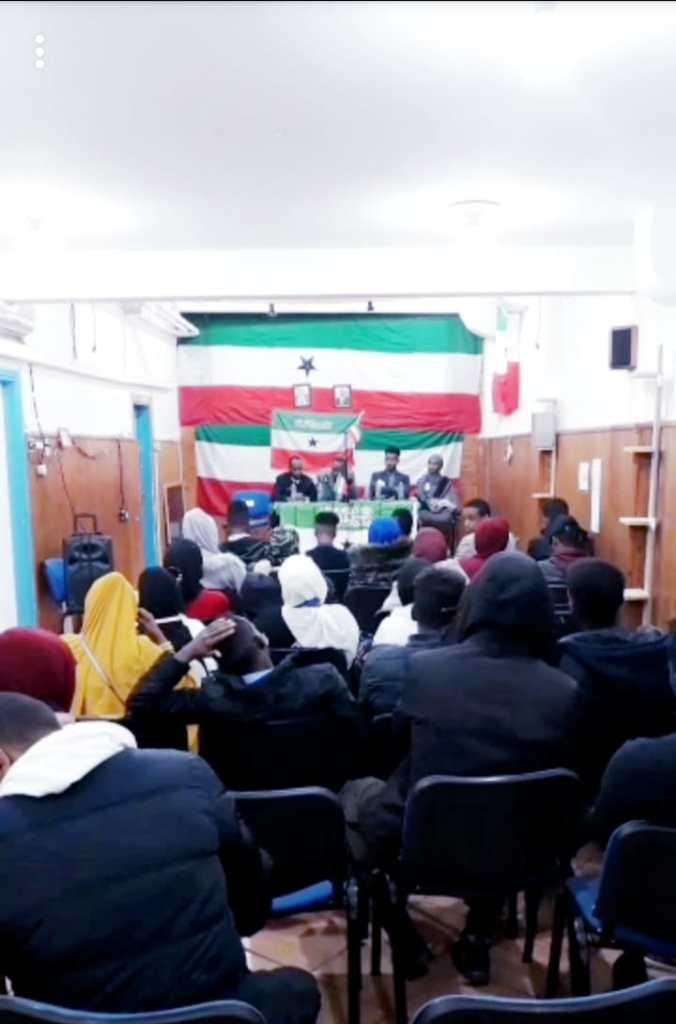 Guddoomiyaha Hay'adda Qurbajoogga Somaliland ee Wasaaradda Arrimaha Debadda & Iskaashiga Caalamiga ah JSL Mudane Cabdi Cabdullaahi Xirsi (Dayaxweerar) oo la kulmay Jaaliyada Somaliland ee Talyaaniga 10 Dec 2018