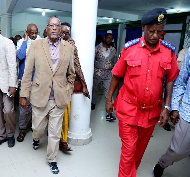 Madaxweynaha Somaliland Muuse Biixi iyo Taliyaha Ciidanka Dabdamiska Hargeysa 27 August 2019.