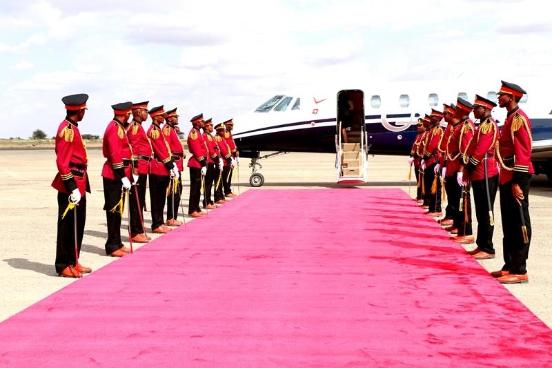 Madaxweynaha Somaliland oo lagu sagootiyayp Madaarka Hargeysa  isagoo usii jeeda Dalka Sucuudiga 7 August 2019
