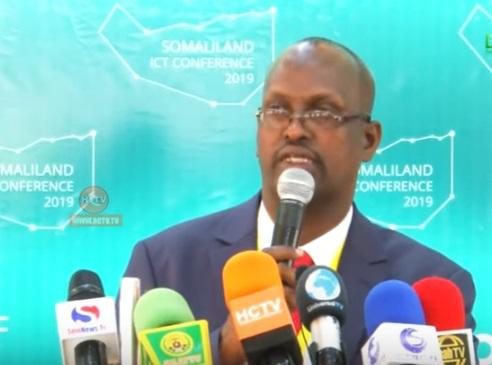 Agaasimaha Guud ee Wasaradda Isgaadhsiinta iyo Tignoolajiyadda Somaliland Cali Cabdullaahi Daahir,  raweelo News Network 7 Sep 2019