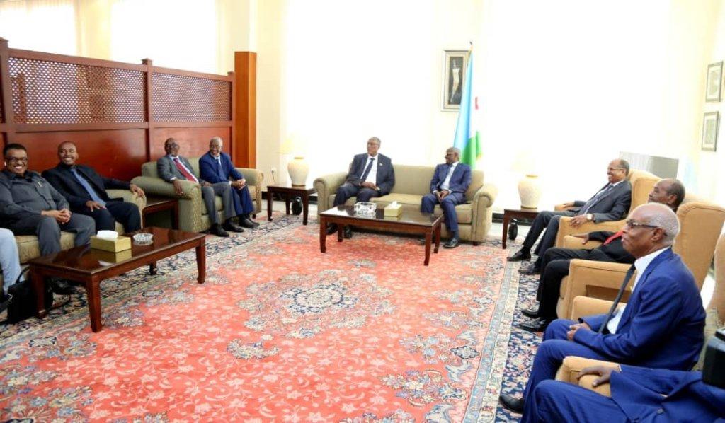 Madaxweynaha Somaliland iyo wefdigiisa oo ay qaabileen masuuliyiin ka mid ah xukuumada Djibouti 3 Sep 2019.