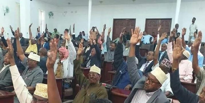 Golaha Guurtida Somaliland oo u codaynaya muddo kordhintii Lixaad ee wakiiladda 24 November 2019.