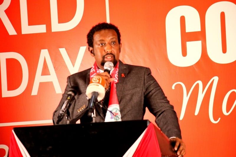 Agaasimaha Guud ee Komishanka Qaranka AIDS-ka Cabdishakuur Prof.  Ismaaciil Muumin Aar 1 Desember 2019, Araweelo News Network.