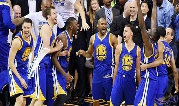 واريورز يحقق انتصارًا مثيرًا على ويزاردز في دوري السلة الأميركي