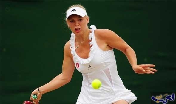 فوزنياكي تصعد إلى المربع الذهبي في البطولة الختامية لتنس السيدات