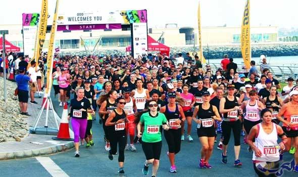9000 عداءة في سباق الجري للسيدات في دبي