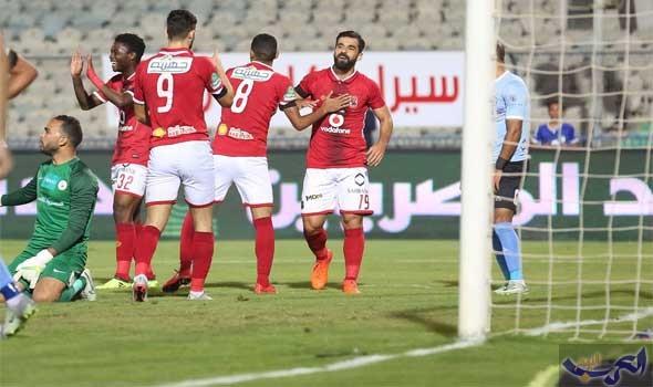 الأهلي المصري يواصل زحفه نحو قمة الدوري بسحق الداخلية